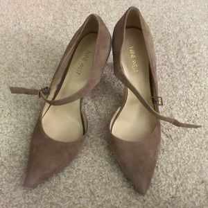 Tan Nine West Heels